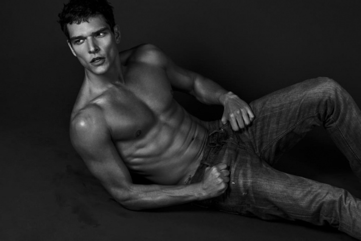 alexandre Cunha by Anthony Meyer