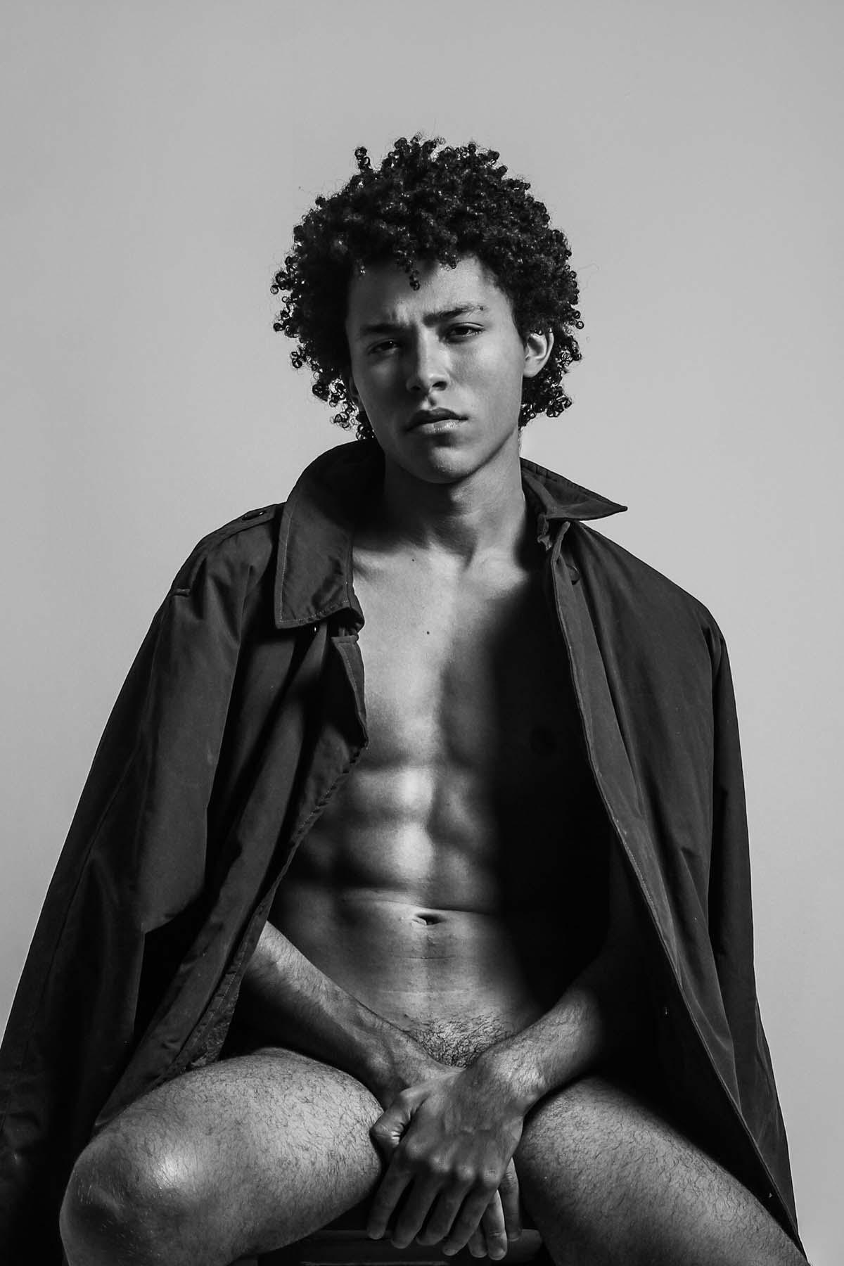 Eduardo Tomaz by Julia Bandeira