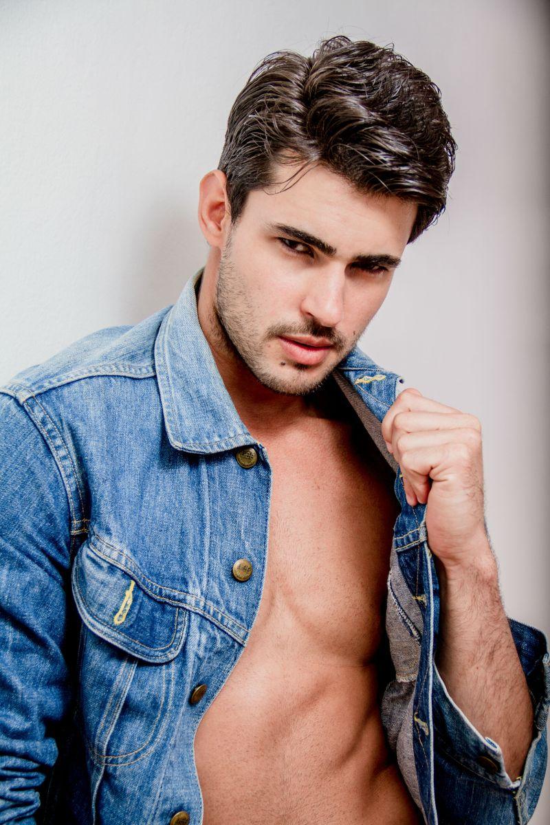 Ricardo Barreto by Simone Fransisco