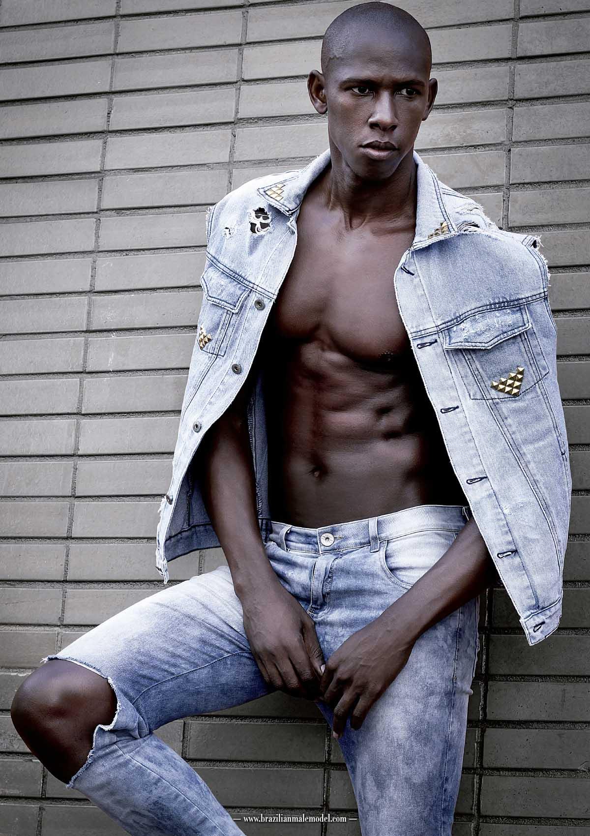 Vinicius Mendez by Matheus Muraca for Brazilian Male Model Magazine#1