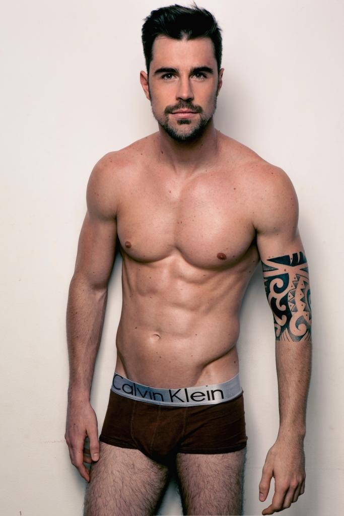 Rodrigo Tetzener by Junior Franch