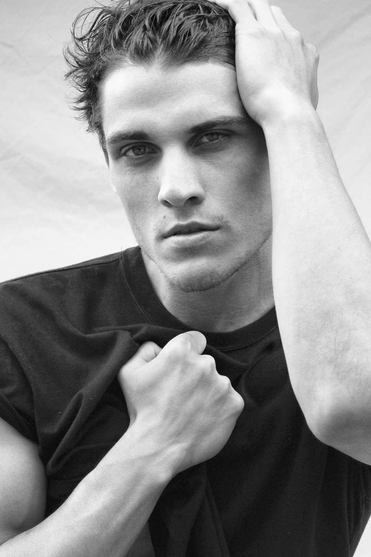 Eduardo Mocelim by Carlos Mora for Brazilian Male Model