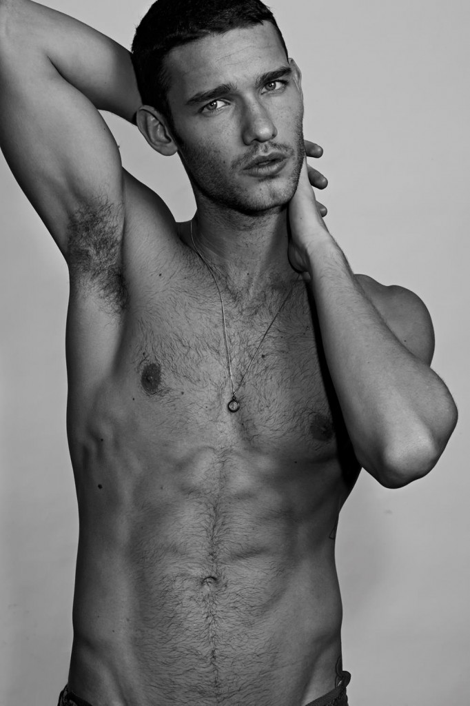 Luigi Ficarelli by Michel Guillaume for Brazilian Male Model