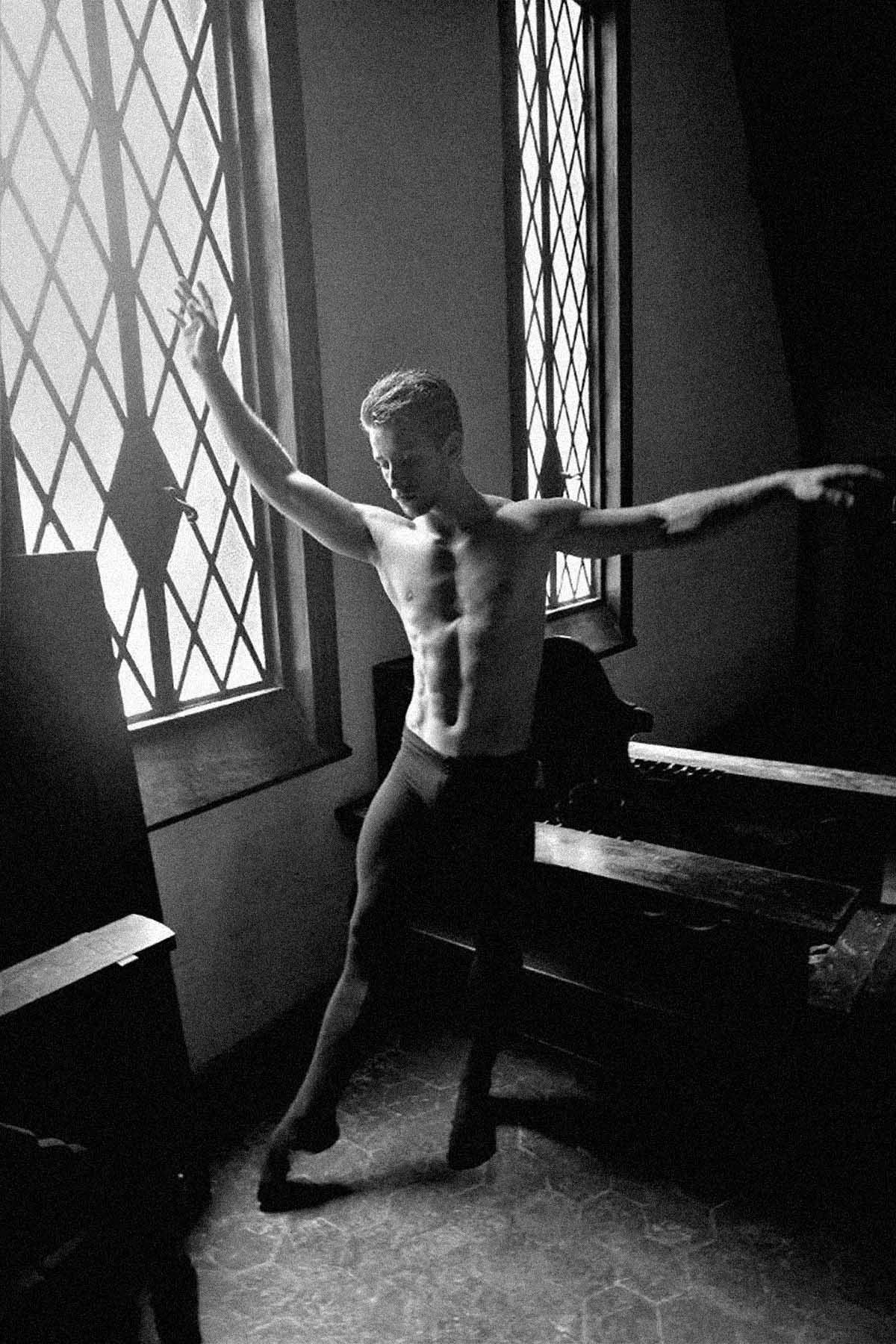 Julio Casares by Sergio Mattos for Brazilian Male Model
