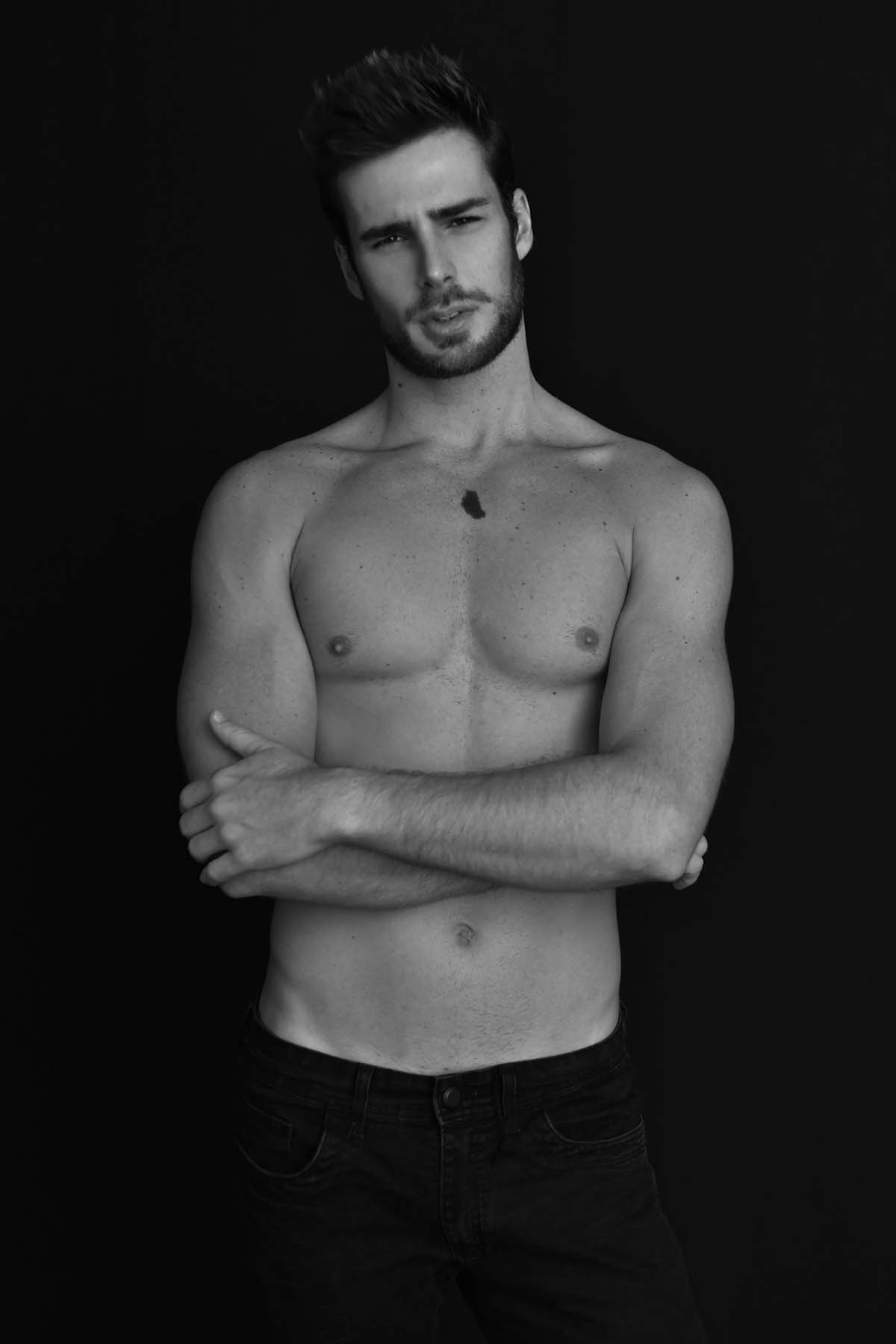 Victor Benain by Vinicius Zievinic for Brazilian Male Model