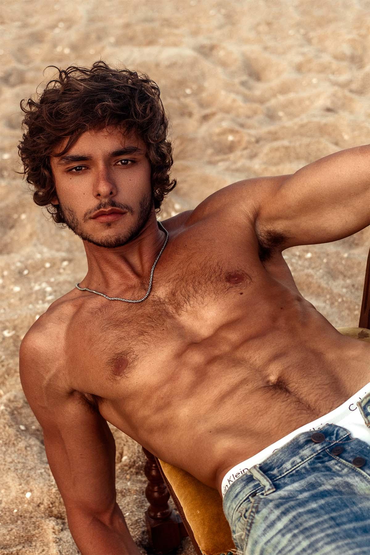 André Zomkowski by Guilherme Herdt for Brazilian Male Model